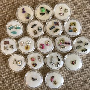 NWT RARE Origami Owl Floating Charms